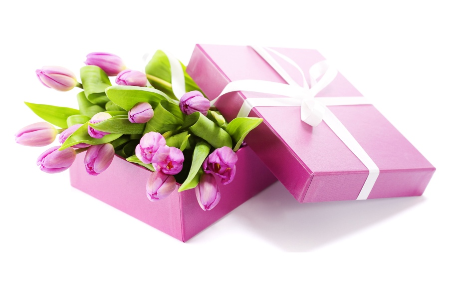 Birthday Gifts For Her Nice Reward Options Your Crush